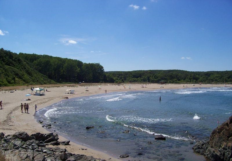 Плажове в близост