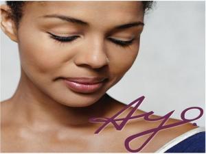 Очаквайте очарователната певица AYO за първи път у нас  на 4 април