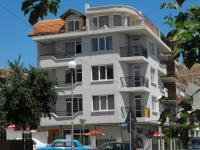къща за гости Каракачанови